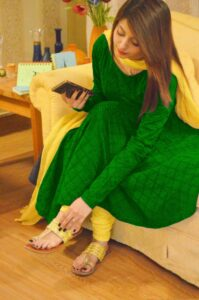 Read more about the article Cotton Self Design Un-Stitched Salwar Suit Dupatta Material (Green & Yellow)