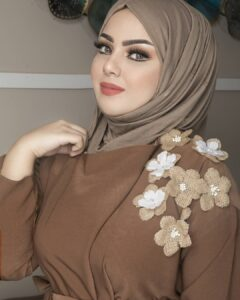 """Read more about the article Dlal salh on Instagram: """"Your femininity is simple 🌸🌸🌸 . details 🍁 @ola_eyes photo by:@aya.ayad_photographer"""""""