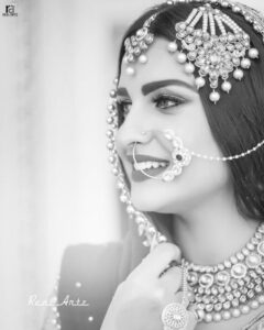 """Read more about the article Himanshi Khurana 👑 on Instagram: """"Mua @passirajan"""""""