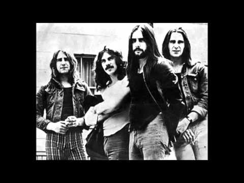 You are currently viewing Status Quo – Roll Over Lay Down (HQ audio – remastered 2011)