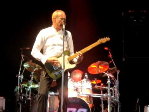 You are currently viewing 05 Status Quo – Mean Girl – Lytham Proms 05.08.11 HQ