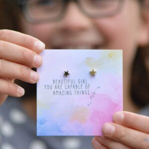 Read more about the article Earrings – Quote Card – Beautiful Girl