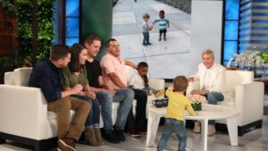 Read more about the article Ellen Meets Adorable Viral Hugging Toddlers