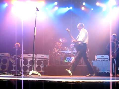 You are currently viewing Status Quo – Mean Girl – Barcelona (6/9/2009)